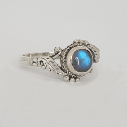 925 sterling silver and semi-precious stone ring
