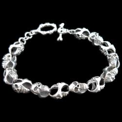 Skulls entangled bracelet