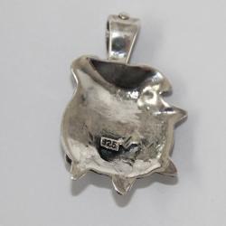 Colgante de cabeza de perro Bulldog de plata