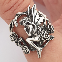 Fairy and roses ring