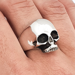 Smooth skull ring Keith Richards style