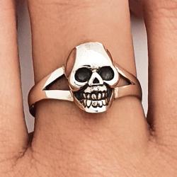 anillo del cráneo plata 925