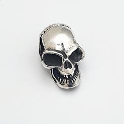 Colgante de plata cráneo